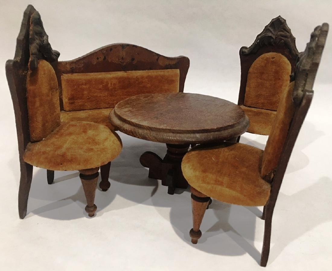 HAND CARVED MINATURE TABLE AND CHAIRS