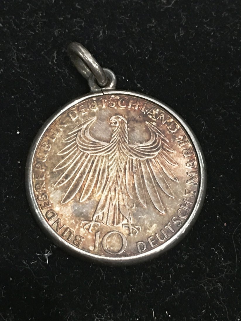 1972 10 MARK COIN WITH BEZEL - 2