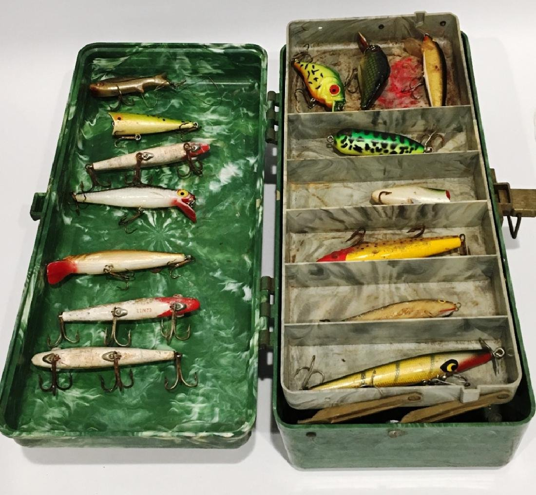 LOT OF FISHING LURES