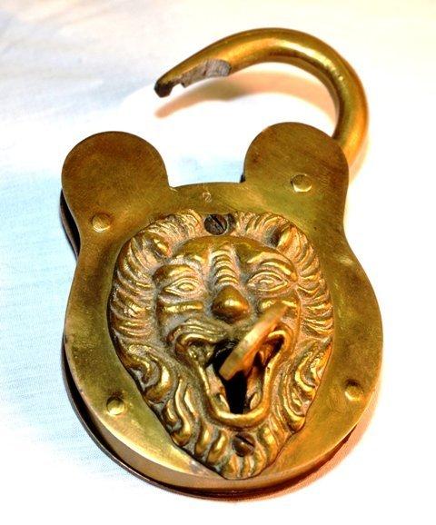 BRASS LOCK W/LION AND KEY