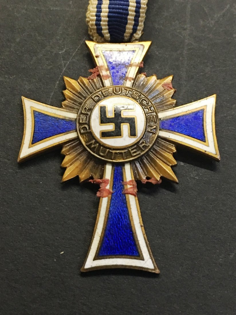 CROSS OF HONOR OF THE GERMAN MOTHER