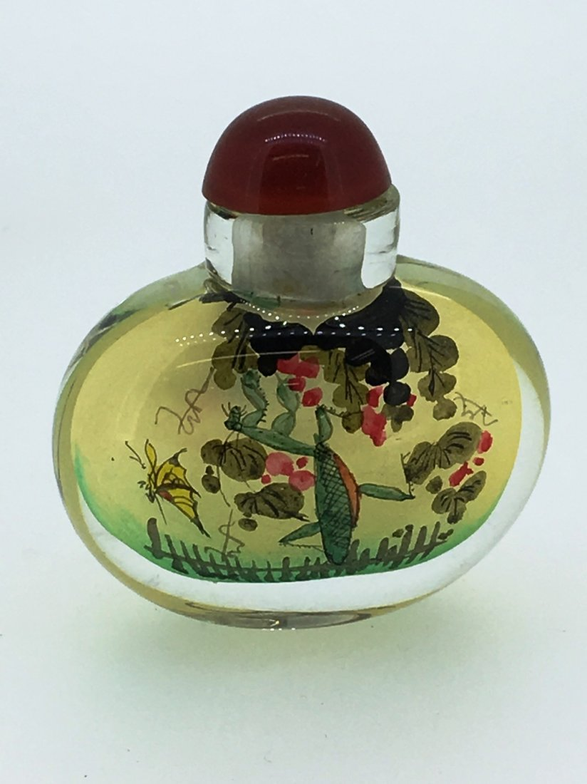REVERSE PAINTED GLASS SNUFF BOTTLE OVATE RED TOP