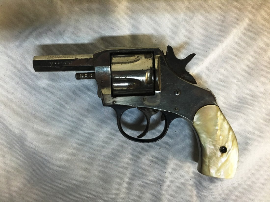 H&R ARMS CO DOUBLE ACTION REVOLVE 38