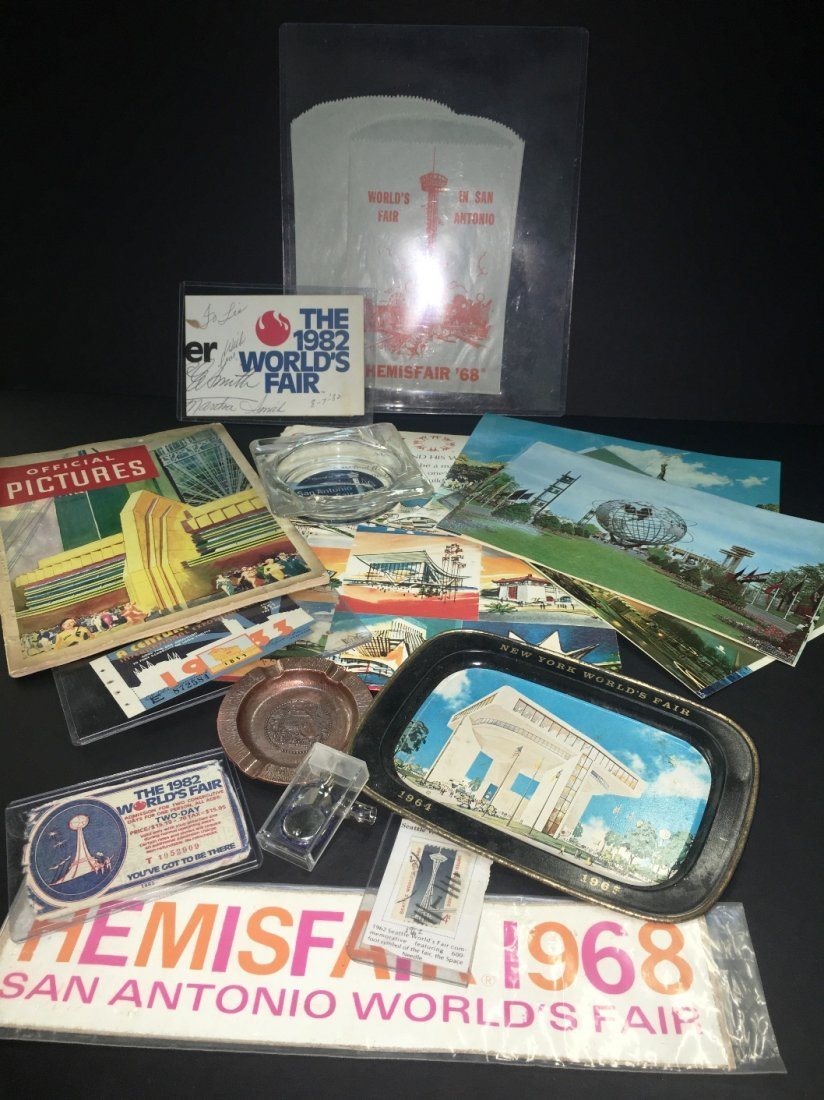 COLLECTION OF WORLD'S FAIR ITEMS