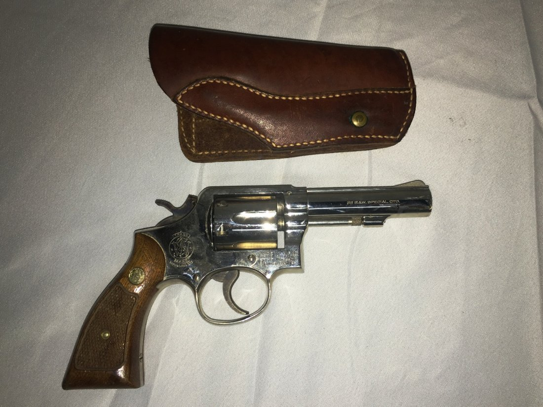 SMITH & WESSON MODEL 10-6 .38 SPECIAL REVOLVER