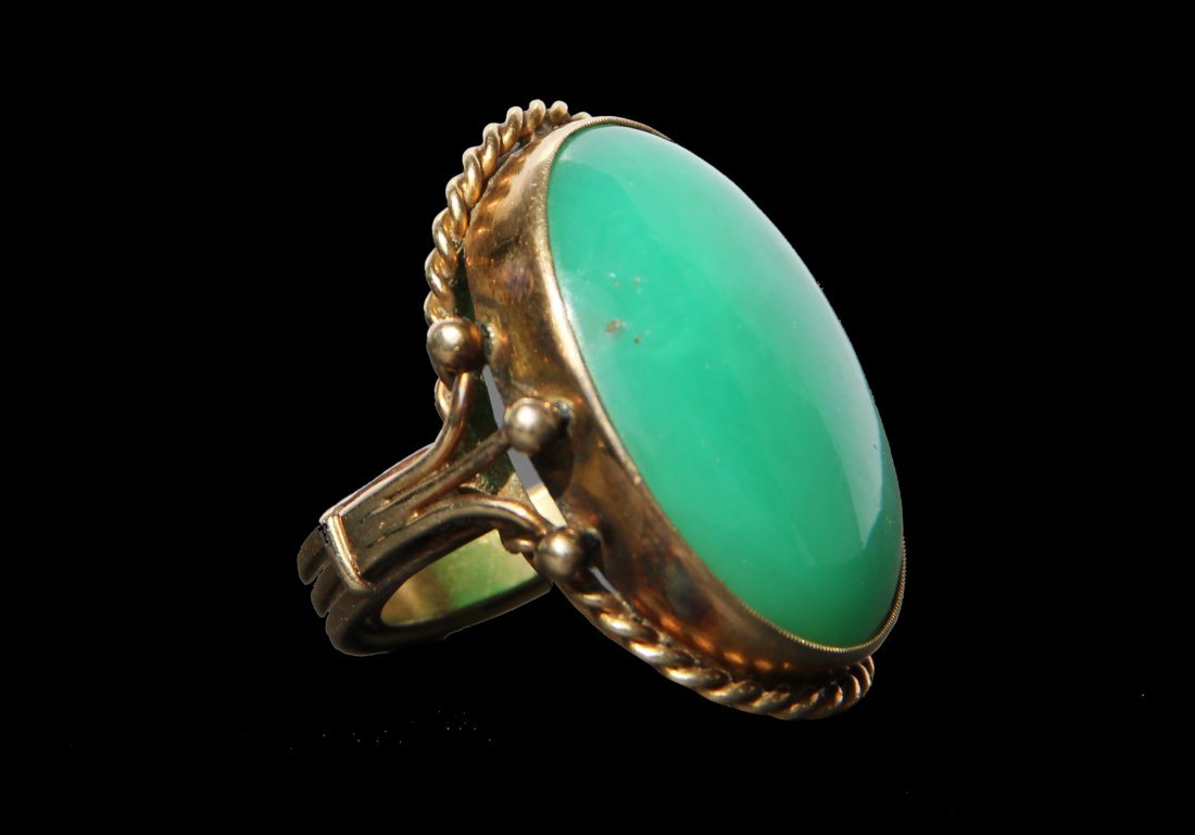 18:Antique 14K Gold Chalcedony Ring