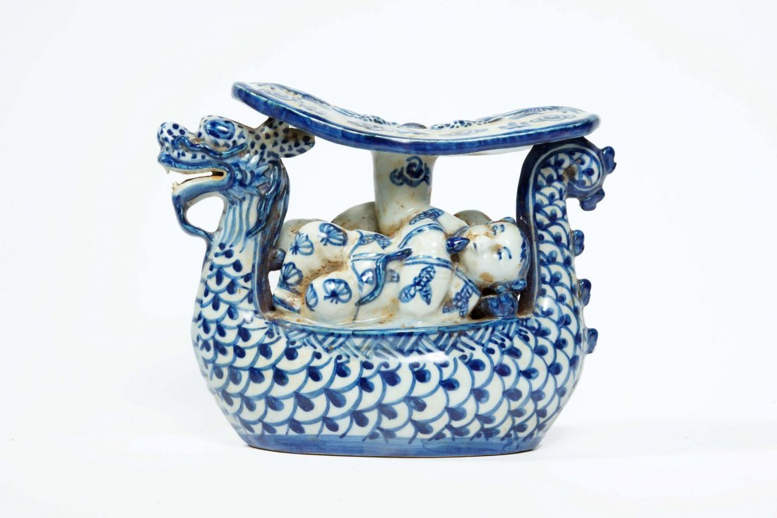 22: Chinese blue and white porcelain pillow