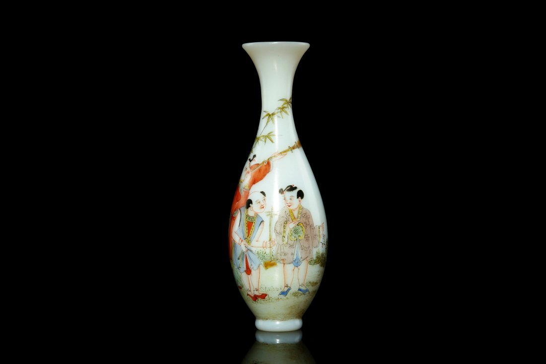 8: Chinese materials enamel color Guanyin bottle