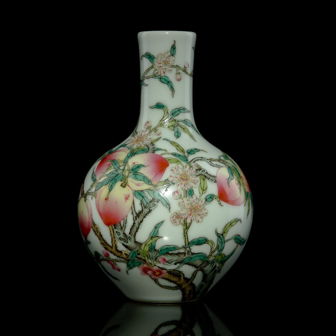 7: 18th C Chinese famille rose bottle