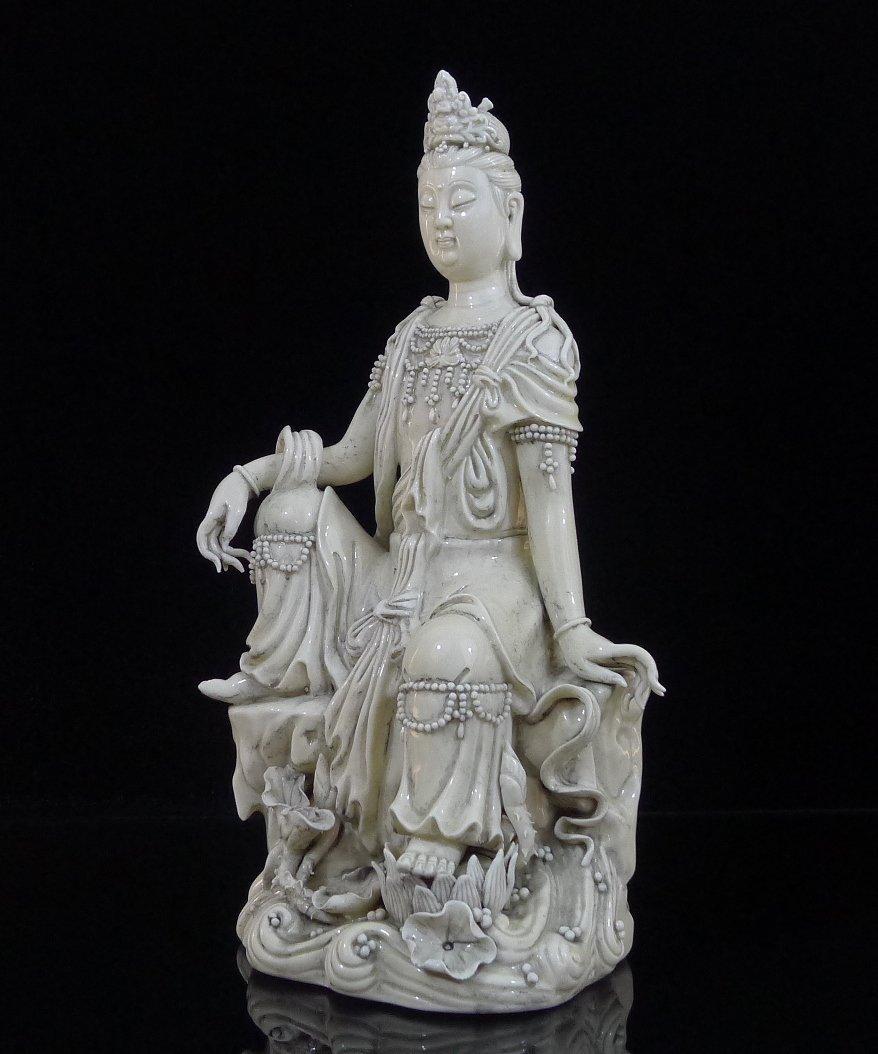 5: Vintage Chinese Dehua Porcelain Guan Yin