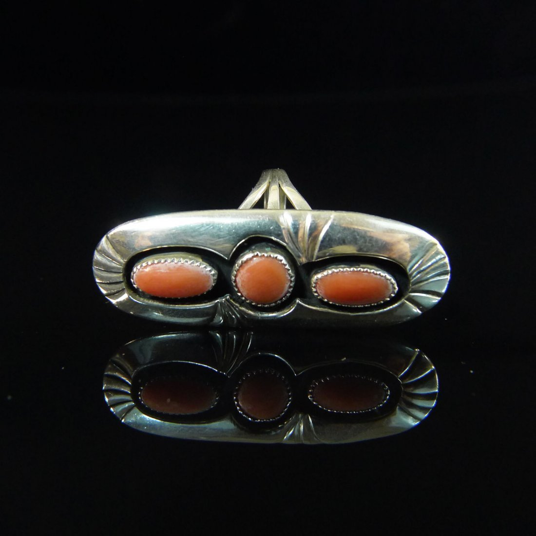 NATIVE AMERICAN INDIAN NAVAJO RED CORAL RING