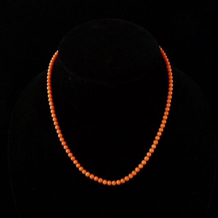 GENUINE RED CORAL NECKLACE WITH PENDANT