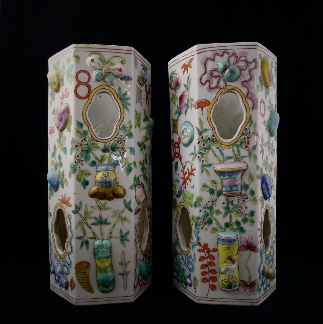 A PAIR OF CHINESE FAMILLE ROSE HEXAGONAL BOTTLE