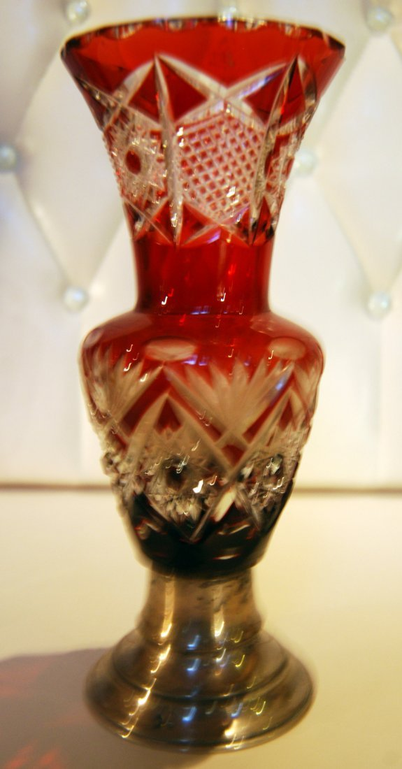 18: Crystal vase with silver base