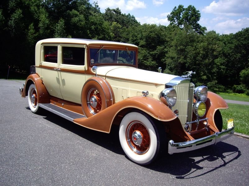 1933 Packard 1004 Club Sedan