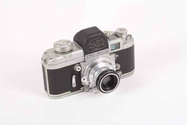 1: Alpa 7 with 50mm Old Delft f2. Nr. 33127