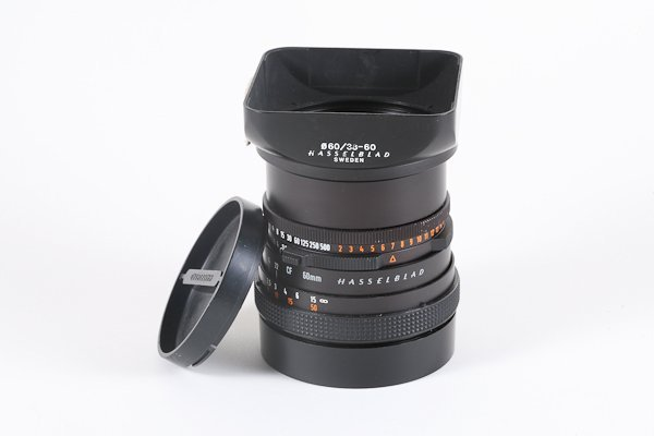 32: 60mm Zeiss Distagon-CF f3,5  with hood for Hasselbl