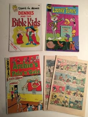 SET OF COMIC BOOKS - Dennis The Menace and the BIBLE
