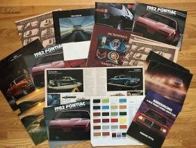 PONTIAC Automobile Advertising Brochures