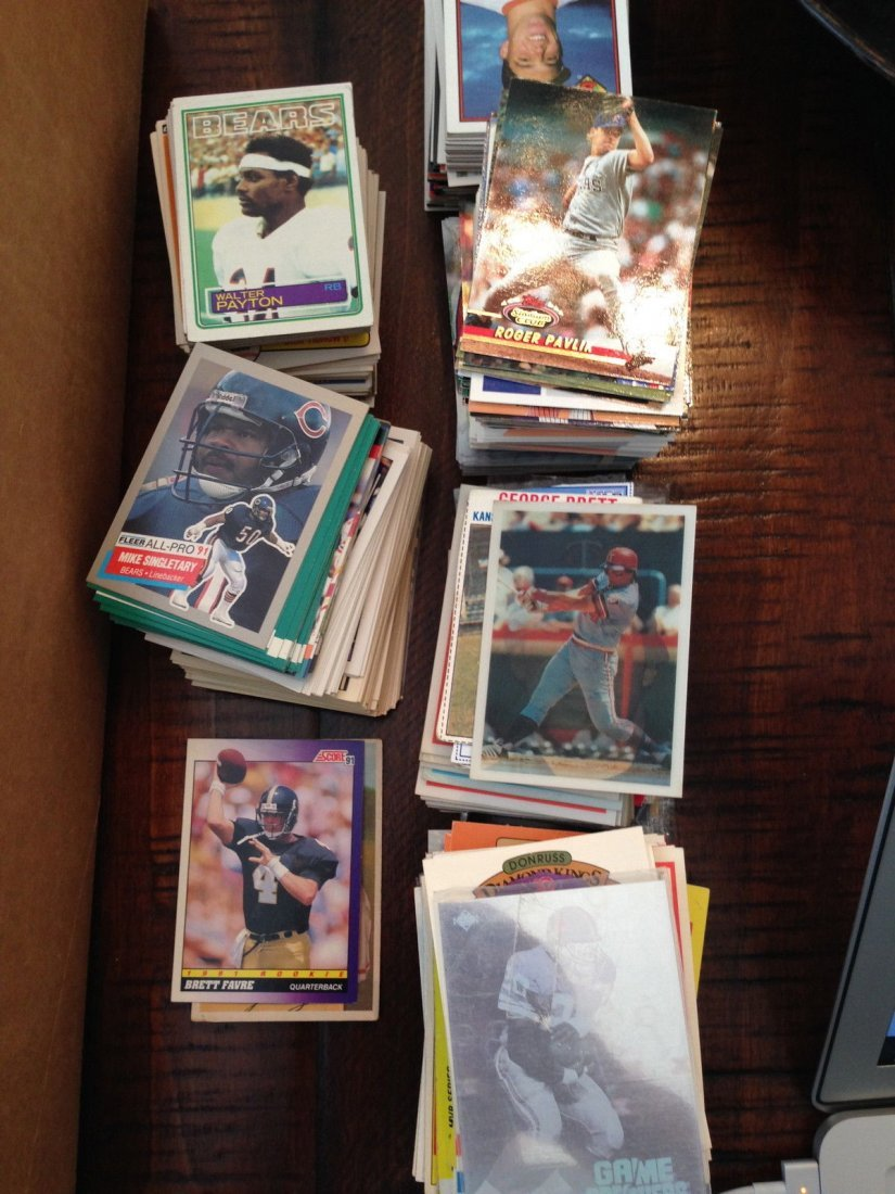 BRETT FAVRE ROOKIE CARD ! ! +840 VARIOUS SPORTS CARDS