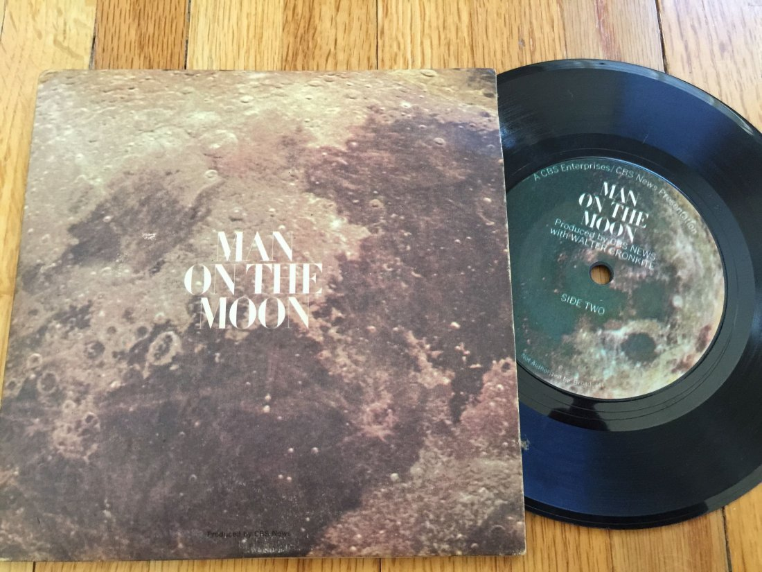 MAN ON THE MOON - WALTER CRONKITE 45RPM RECORD