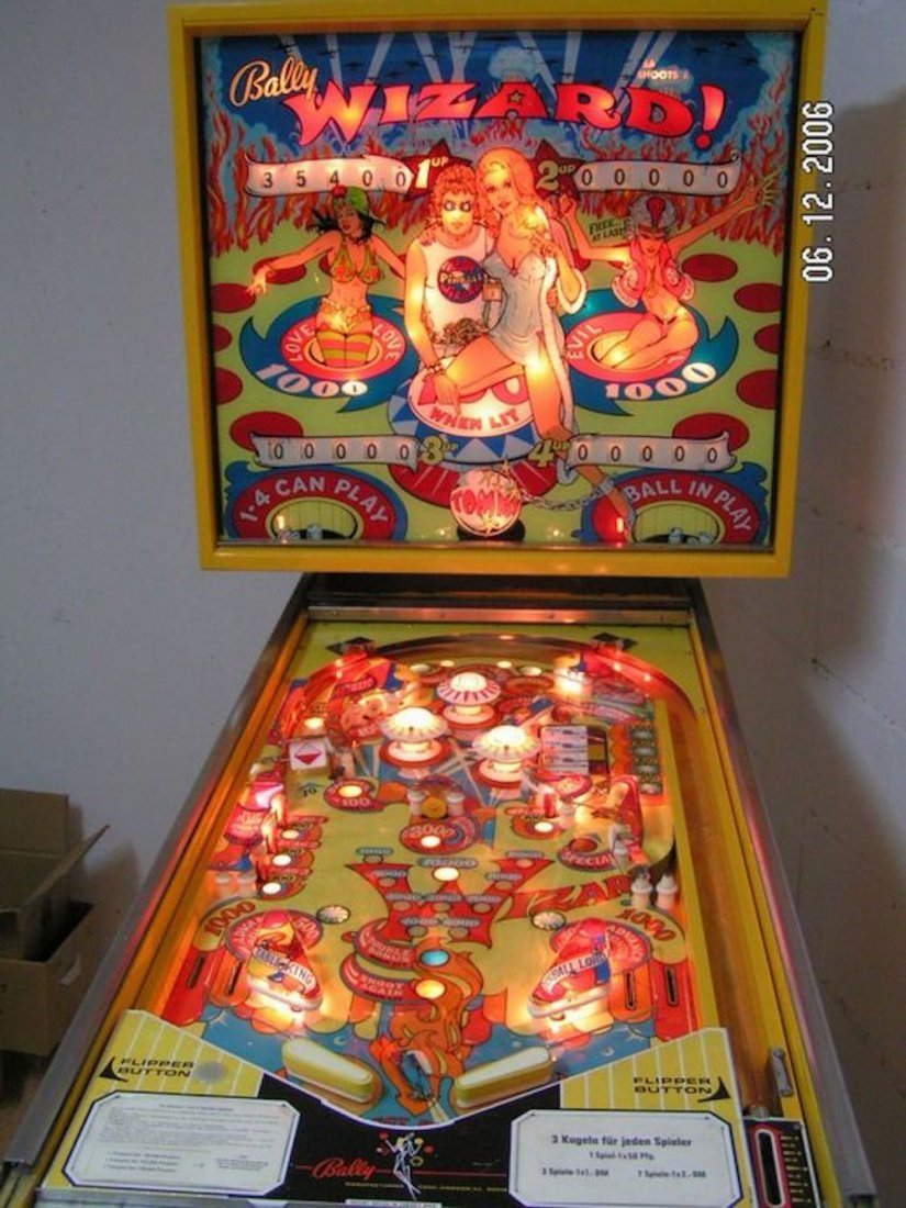 BALLY PINBALL WIZARD PINBALL MACHINE