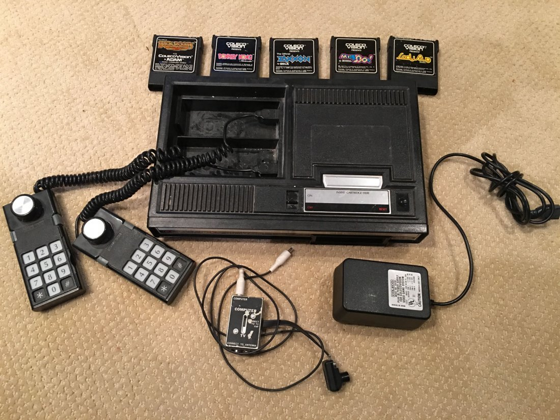 VINTAGE COLECOVISION GAME CONSOLE and 5 GAMES !