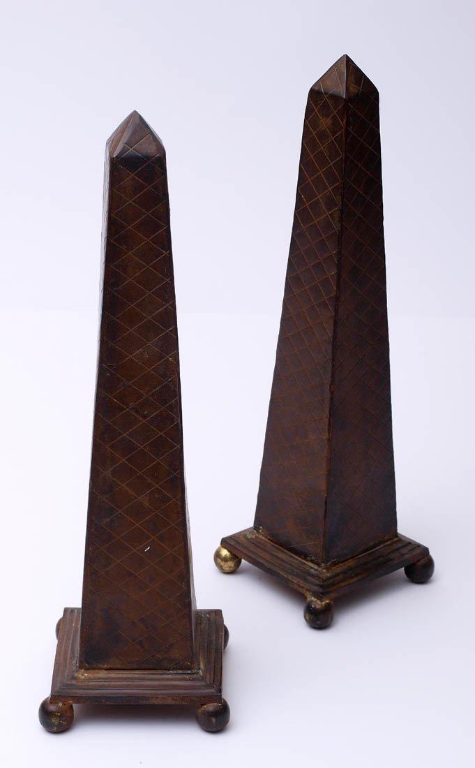 Paar Obelisken
