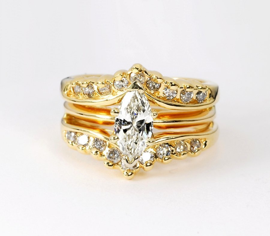 165: 1.12 ct Marquise Diamond 14kt Gold Solitaire Ring