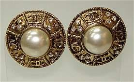 167: Pr Vintage Chanel Earrings Faux Pearl ca1960