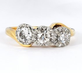 33: 14kt YG 3 x Diamond Ladies Ring 0.65ct Beautiful!