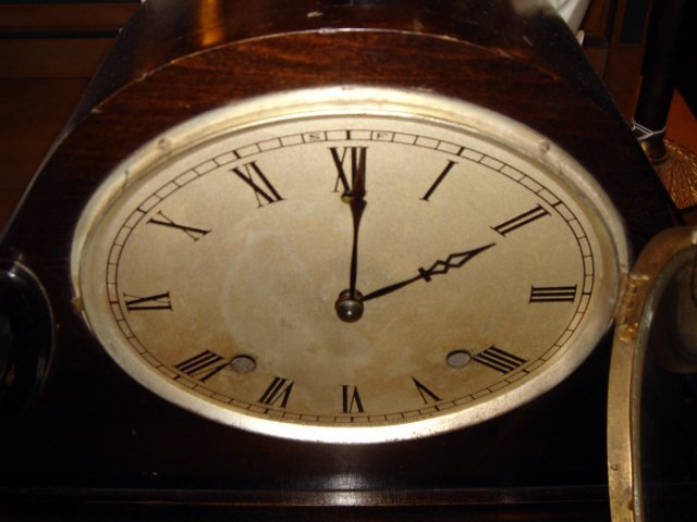 221: Gilbert 1807 Art Deco Striking Mantle Clock - 2