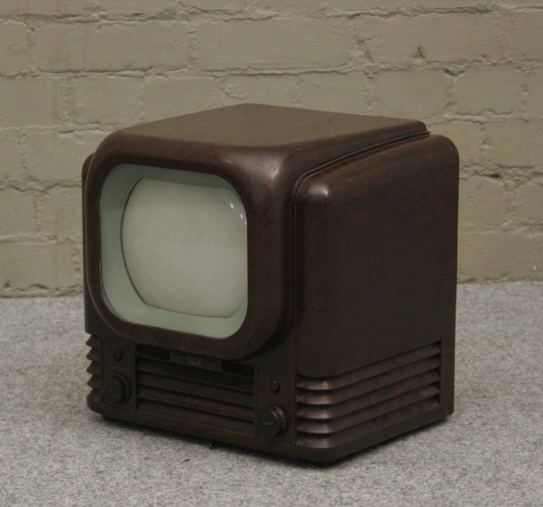 581: A Bush radio television receiver in Bakelite case,
