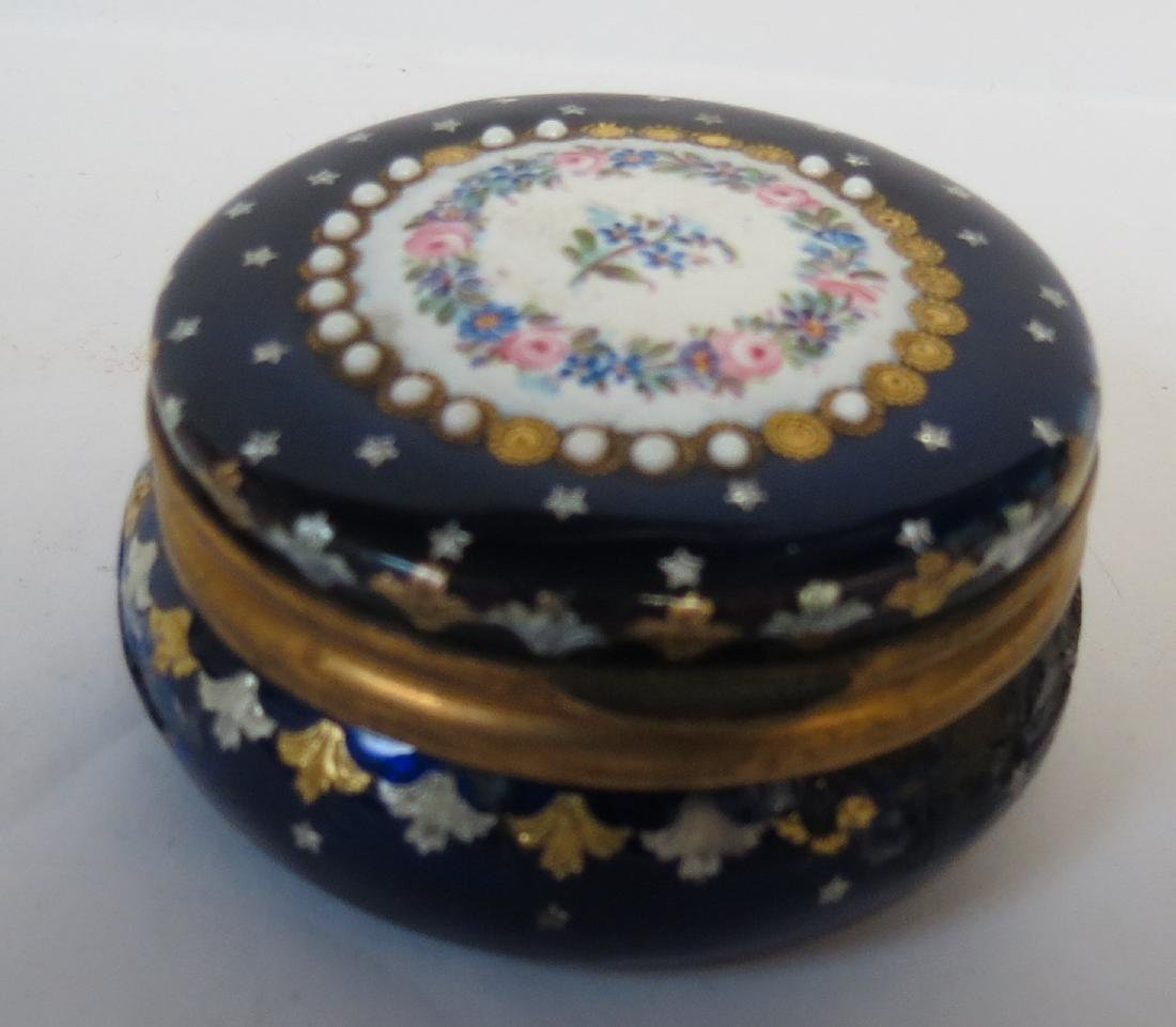 Enamel Pill Box - France 1900 Diam: 2""
