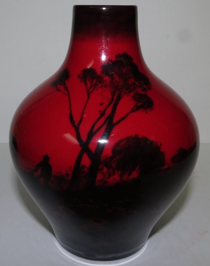 "Royal Doulton Vase - England - H: 5.5"""