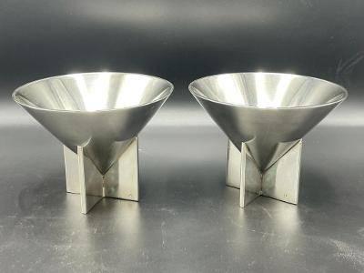 """Ilonka Karasz pair of Art Deco Bowls H-4.5"""" Diam.6"""""""