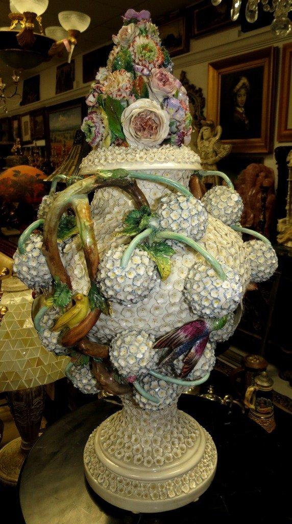1372: Meissen Vase  est. 1756-1763.