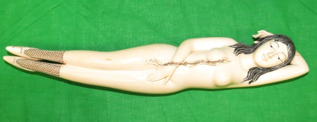 Big Doctor's Lady Ivory Sculpture Wood Bench - 4