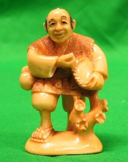 Old Ivory Netsuke Man