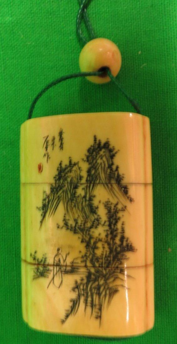"""Old Ivory pendand Box 1.8"""" Japanese"""