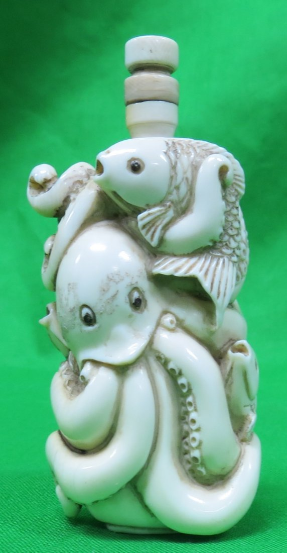 """Ivory Snuff Bottle Octopus Carving H: 3"""" (1900)"""
