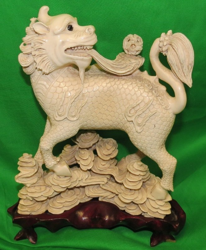 """Spectacular Ivory Foo Lion Chinese H: 9"""" W: 9"""""""