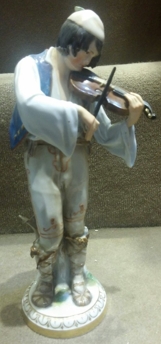 Meissen Man Playing Violin H: 9.8""