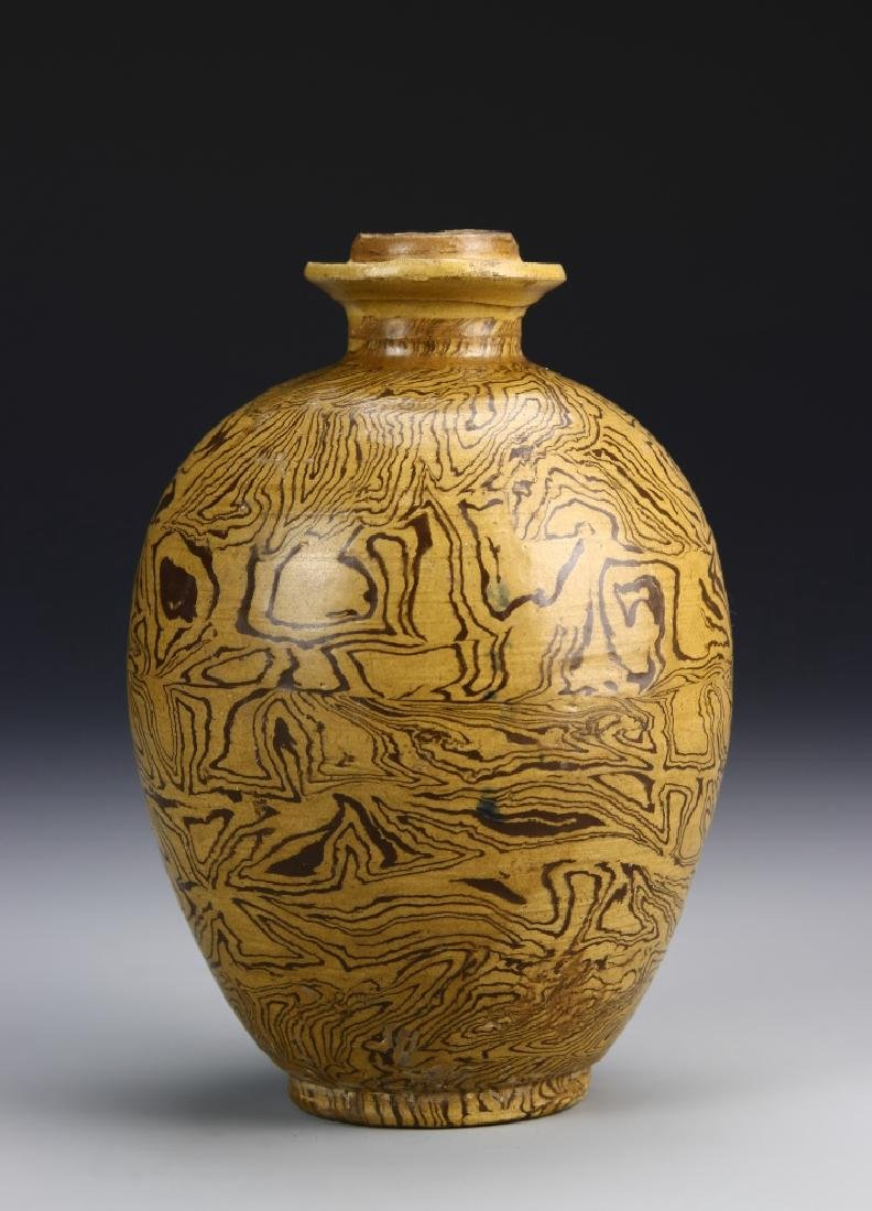 Chinese Tang Dynasty Marble Glazed Vase - 2
