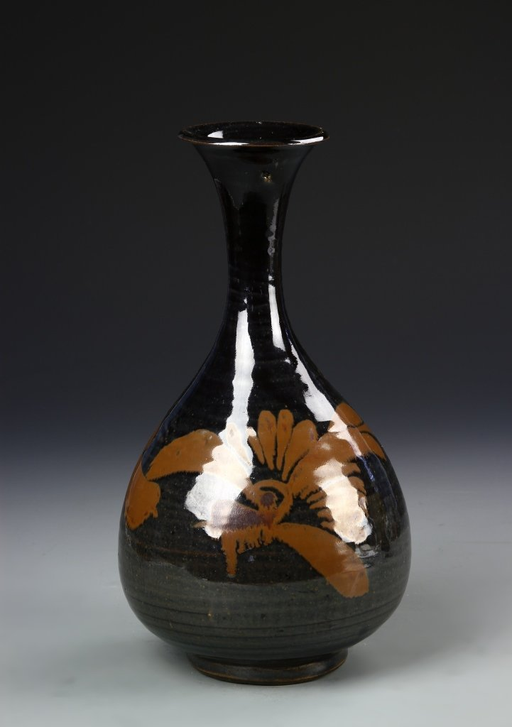 Chinese Ding Yao Yuhuchunping Vase