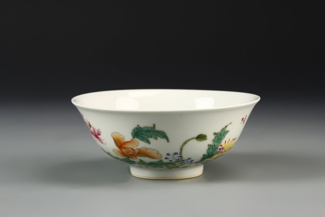 Chinese Finely Painted Peony Palace Bowl