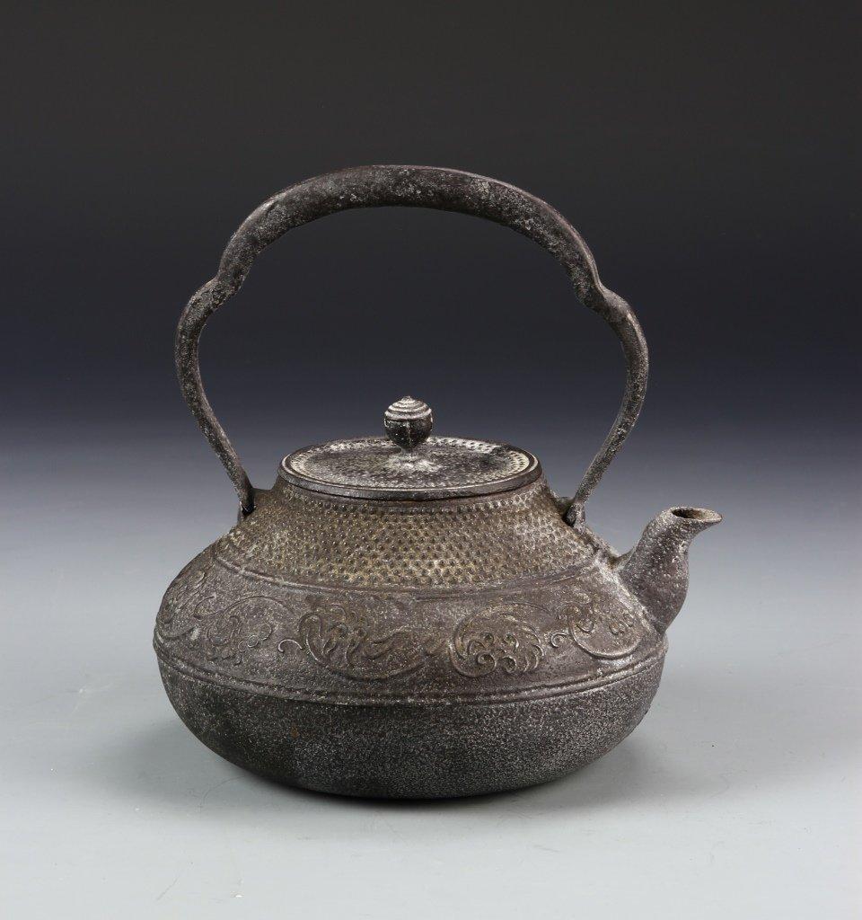 Japanese Iron Cast Teapot - 4