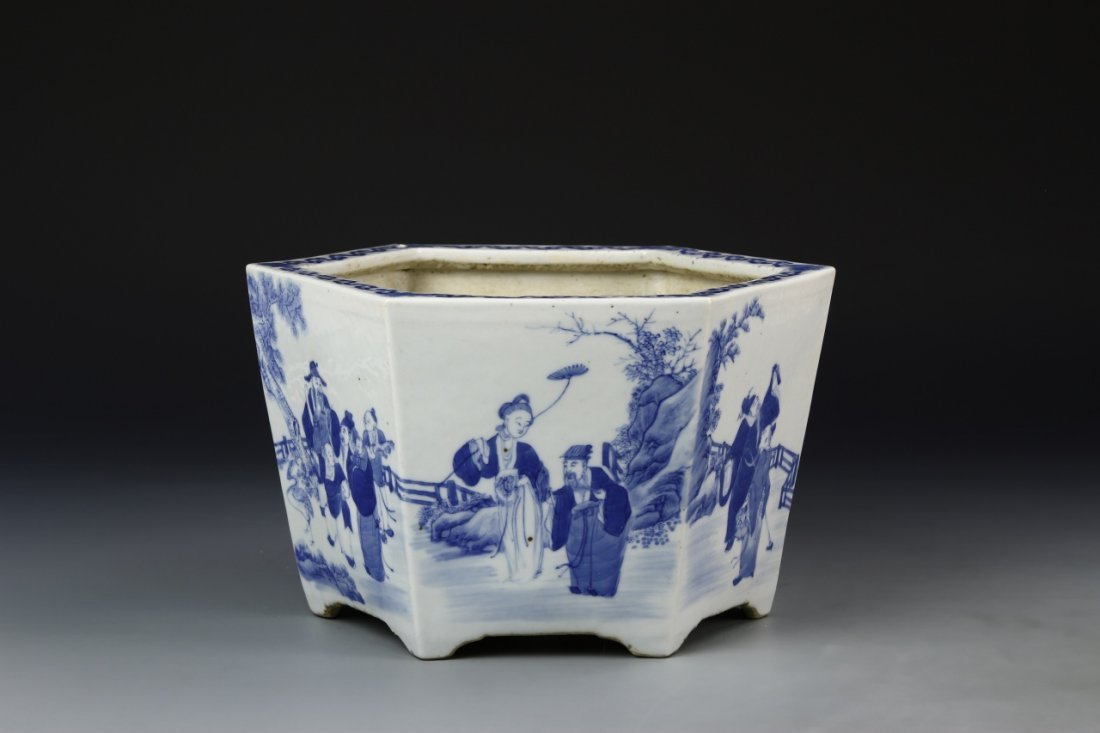 Chinese Blue and White Planter