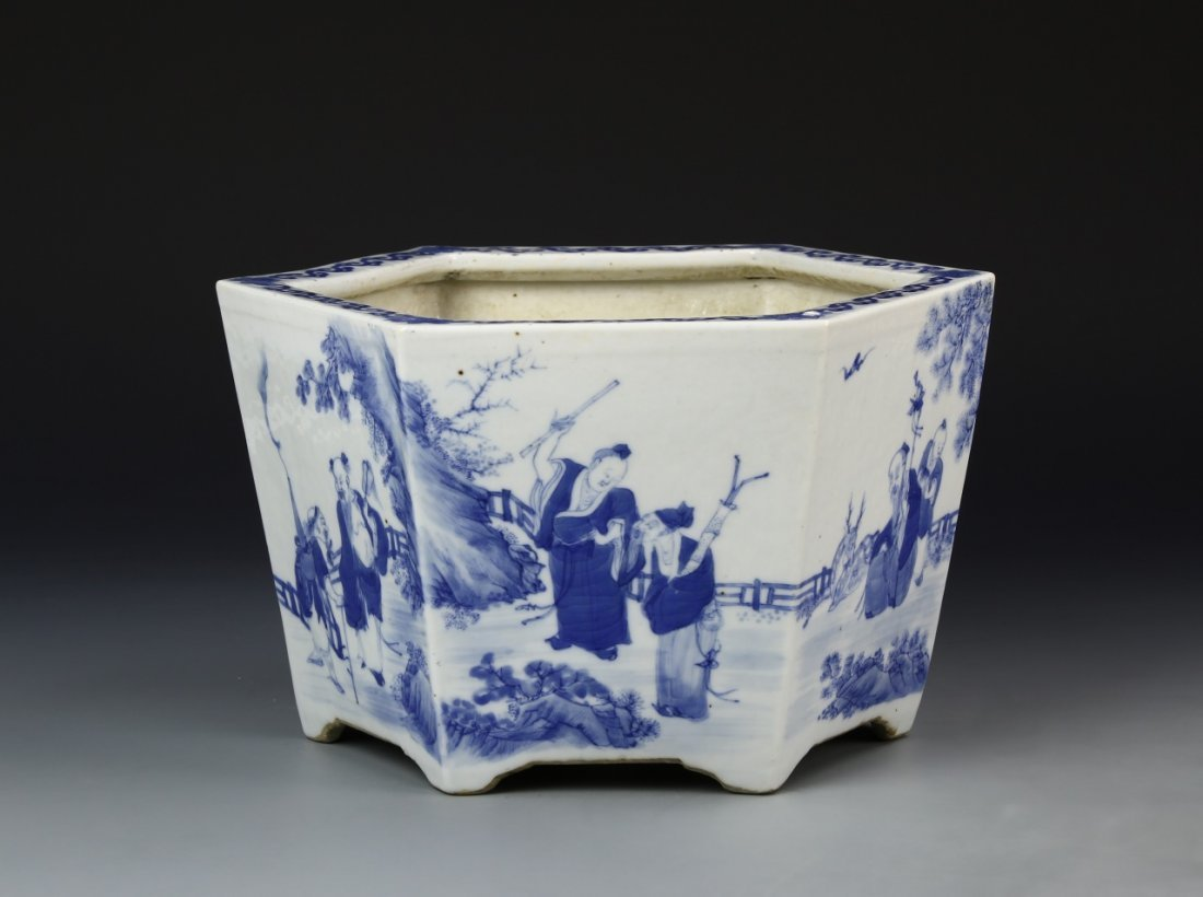 Chinese Blue and White Planter - 4