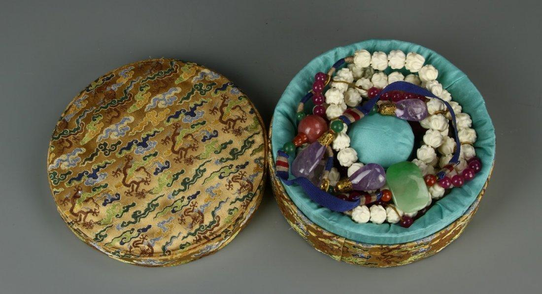 Carved Deer Horn Court Necklace - 8